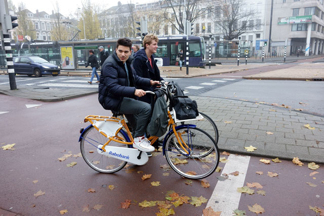 Rotterdam's got the right idea: separated bike paths
