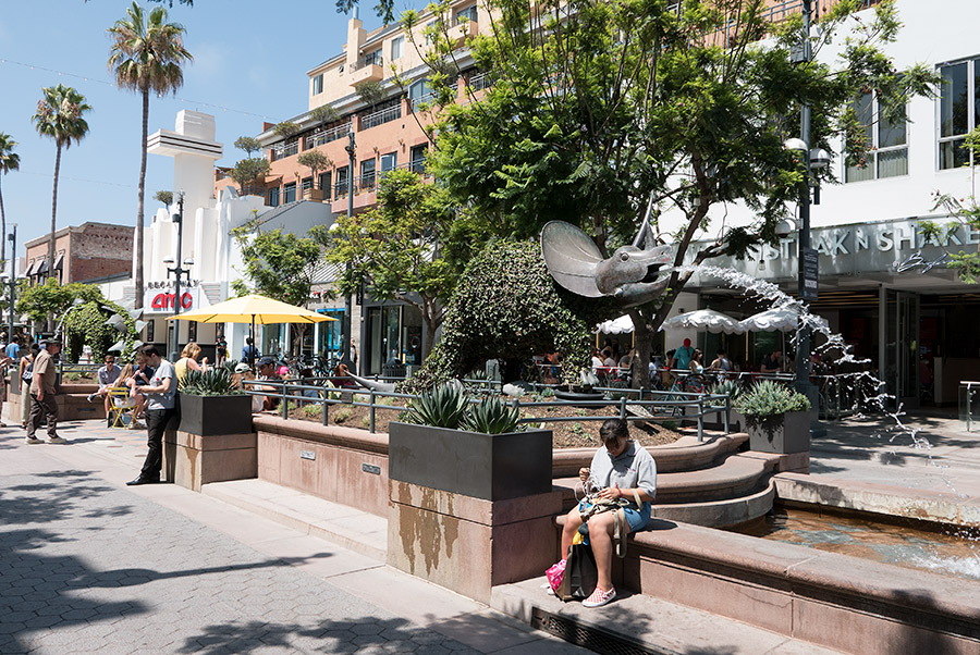 Everyone loves the Third Street Promenade