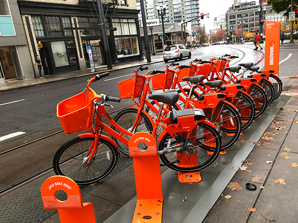 Portland's Biketown bikes weren't my first choice for getting around on this trip. The seats were wet and I was traveling a bit further afield than usual.